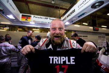 Mechanic - Triple Winner - PORSCHE TEAM / DEU / Porsche 919 Hybrid - Hybrid - WEC 6 Hours of Shanghai - Shanghai International Circuit - Shanghai - China