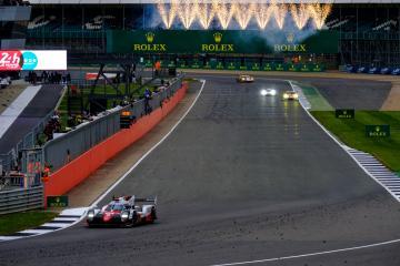 Finish line / #8 TOYOTA GAZOO RACING / JPN / Toyota TS050 - Hybrid - Hybrid  FIA WEC 6 Hours of Silverstone  - Silverstone Circuit - Towcester - United Kingdom